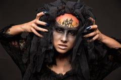 Läskig allhelgonaaftonbrud med läskig makeup för begrepp Royaltyfri Foto