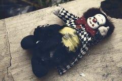 Läskig clowndocka Arkivfoton