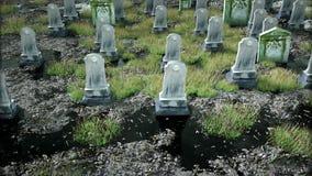 Läskig gammal kyrkogård kyrka på grav för den grymma säger miniatyrreaperen halloween för kalenderbegreppsdatumet lyckliga holdin arkivfilmer