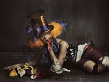 Läskig gigantisk clown arkivbild
