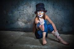 Läskig gigantisk clown för stående Arkivfoton