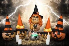Läskiga pumpor för halloween witchcraft Allhelgonaaftondesign med pumpor Royaltyfri Foto