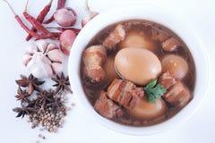 Lät småkoka griskött och ägg Royaltyfria Foton