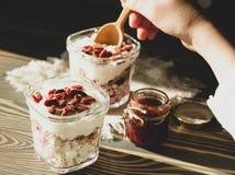Lätt frukost för en helhy livsstil royaltyfri bild