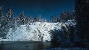 lätt redigera bilden till treesvektorvintern finland Royaltyfri Foto