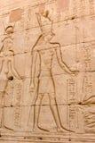 Lättnad av templet av Horus Arkivfoton