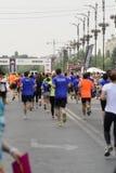 Läufer, die das Rennen beenden lizenzfreie stockfotos