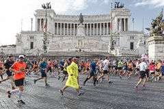 Läufer am Rom-Marathon im Jahre 2016 Lizenzfreie Stockfotos