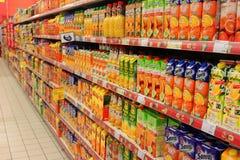 Lådor för fruktfruktsaft Royaltyfria Bilder