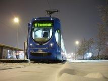 Låg-golv för TMK 2200 tramcar i Zagreb (Kroatien) Arkivfoton
