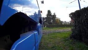 Låg-golv för TMK 2200 tramcar i Zagreb (Kroatien) 2 stock video