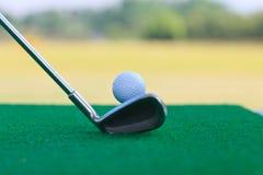 låg höjd för golf för bollkameraklubba Arkivbilder