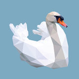 Låg polygon för vit svan på blå bakgrund vektor illustrationer