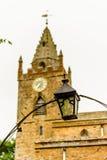 Låg sikt av Milton Malsor Church Northampton UK Arkivbild