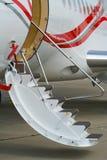 låg trappa för luftflygplan Arkivbild