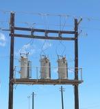 Låg vinkel för elektriska transformatorer arkivfoto
