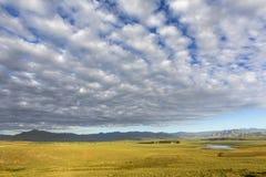 Låga moln över centrala landsdelen Royaltyfria Bilder