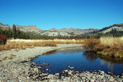 lågt strömvatten Arkivbilder
