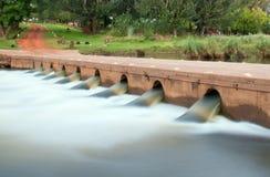 lågt vatten för bro royaltyfri foto