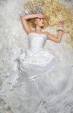 Lång blond hårskönhet Royaltyfria Bilder