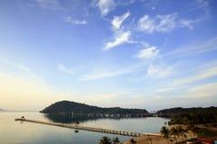 Lång bro i havet Royaltyfria Foton