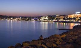Lång exponering av Cannes på natten royaltyfri foto