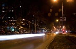 Lång exponering av natttrafik Royaltyfri Bild
