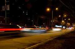 Lång exponering av natttrafik Arkivfoto
