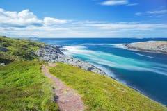 Lång exponering av vågor som bryter på öar royaltyfri fotografi