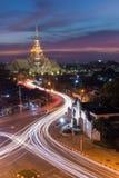 Lång exponering av Wat Sothon på skymning Thailand Fotografering för Bildbyråer