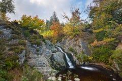 Lång exponering för Bayehon vattenfall, Belgien Royaltyfria Foton