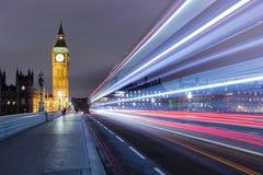 Lång exponering från den Westminster bron Arkivbilder
