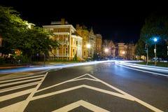 Lång exponering på natten av Logan Circle i i stadens centrum DC Arkivbild