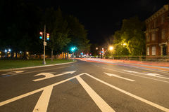 Lång exponering på natten av Logan Circle i i stadens centrum DC Arkivfoton