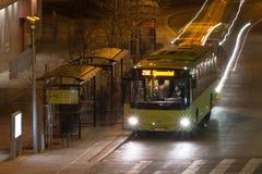 Lång exponeringsbuss arkivfoto