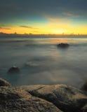 Lång exponeringsskottSeascape i morgonen Arkivfoton