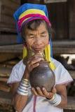 Lång-hals kvinna, Myanmar Royaltyfria Bilder