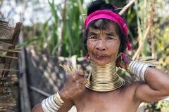 Lång-hals kvinna, Myanmar Royaltyfri Fotografi