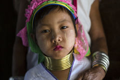 Lång-hals kvinna, Myanmar Arkivbilder