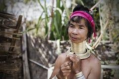 Lång-hals kvinna, Myanmar Arkivbild