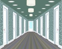Lång korridor med rader av stängda dörrar Begrepp av oändliga tillfällen för framgång och svårighet av valet hall Royaltyfria Bilder