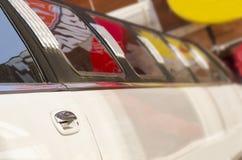 Lång lyxig bil- limo royaltyfri fotografi