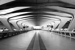 lång modern passage för arkitektur Fotografering för Bildbyråer