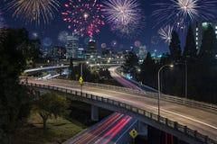 Lång nattexponering av natttrafik i Portland, royaltyfri fotografi