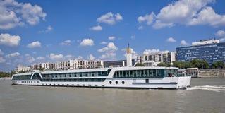 Lång ship Royaltyfri Bild
