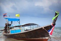 lång svan för fartyg Arkivfoto