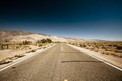 Lång väg Fotografering för Bildbyråer