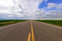 Lång väg till horisonten Arkivfoto