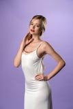 Lång vit kappa fotografering för bildbyråer