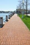 lång walkway för tegelsten arkivfoto
